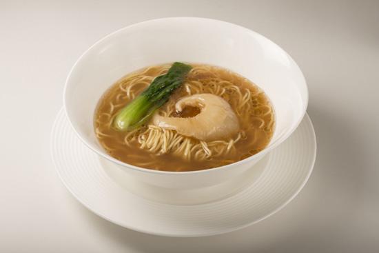 ふかひれ姿煮スープそば