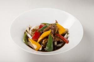 いろいろ野菜と黒酢の酢豚 ¥1,800(税込)